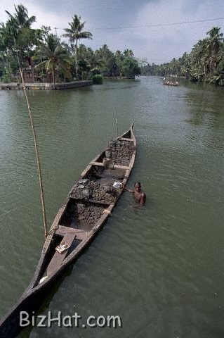 Boat_on_Aleppey