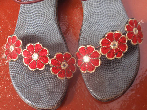 Flowered chappal