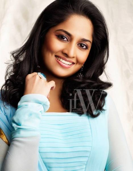 shalini_ajith_hot_photo_shoot_3