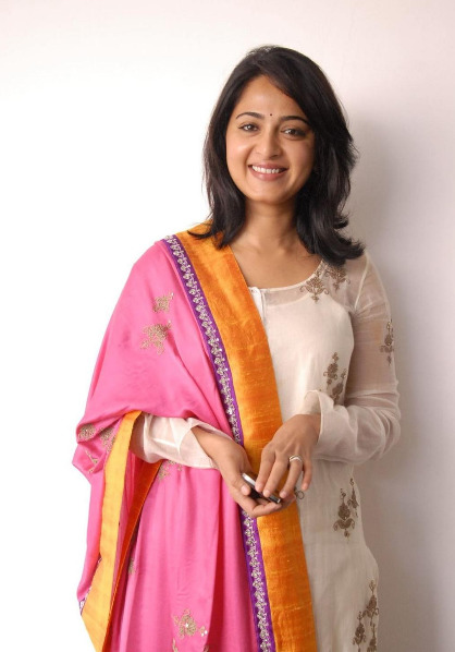 anushka-photos-at-damarukam-14