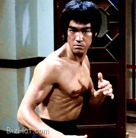 http://gallery.bizhat.com/data/1119/bruce_lee_23.jpg