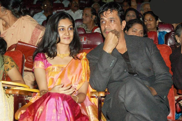 actor_arjun_with_his_daughter_13
