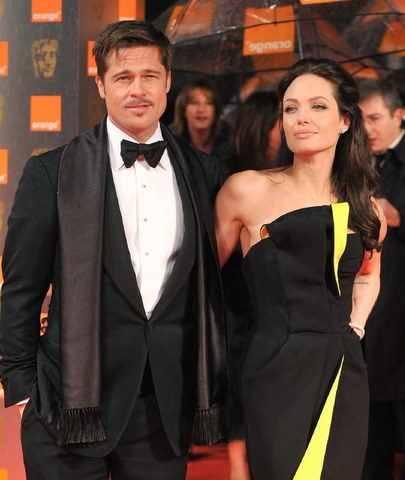 Angelina-Jolie-and-Brad-Pitt-getting-married