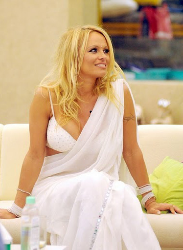 Pamela-Anderson-At-Bigg-Boss-Season-4-1
