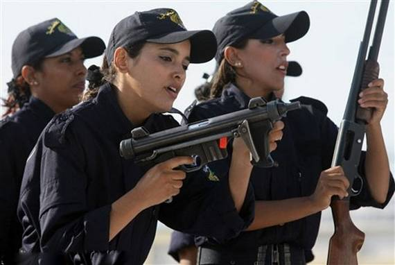 Algeria_women_soldiers_