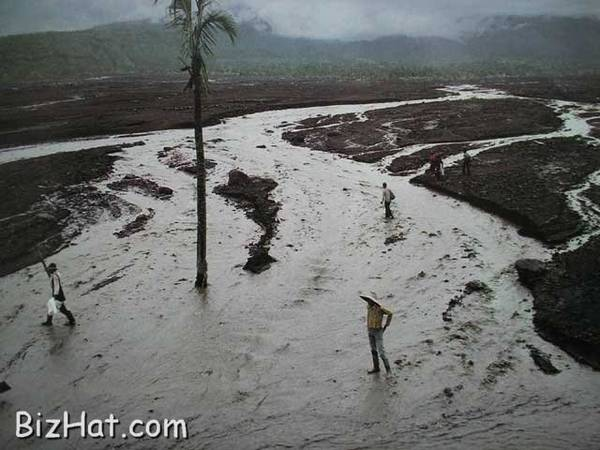 Controlling the flood water