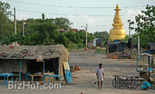 village-with-golden-pagoda