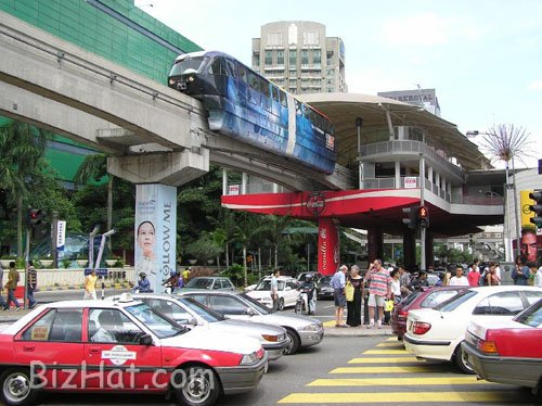 monorail_busy_shopping_area