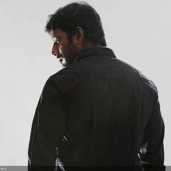 Vishal-in-a-still-from-the-Tamil-movie-Pandiya-Nadu