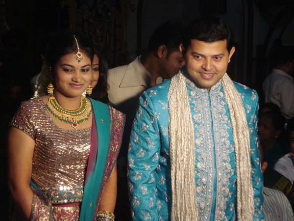 sneha's brother with wife