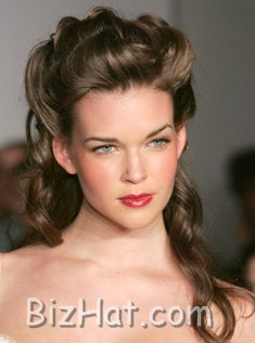 full-bodied_updo