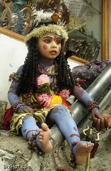 Little Shiva in makeup