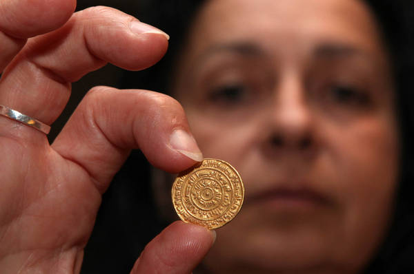 1_000-year-old_gold_coin_