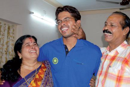 sreesanth_with_parents1