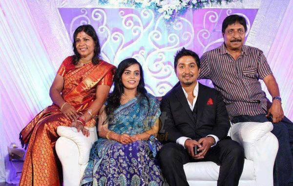 Vineeth_and_family