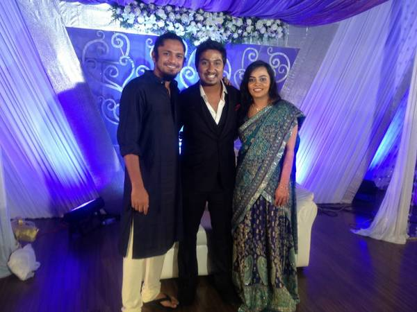 vineeth_and_wife