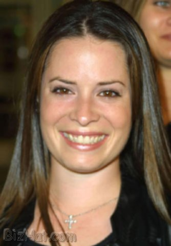 Holly-Marie-Combs-38
