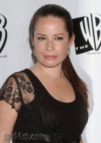 Holly-Marie-Combs-7