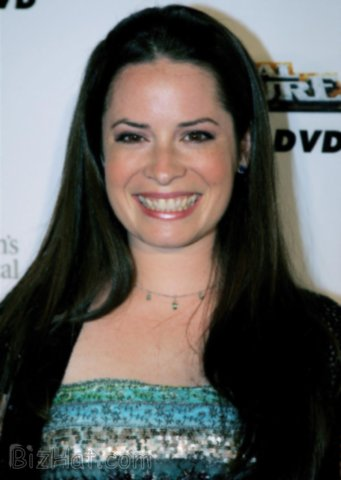 Holly-Marie-Combs-9