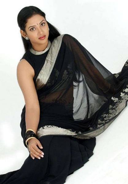 actress in transparent saree
