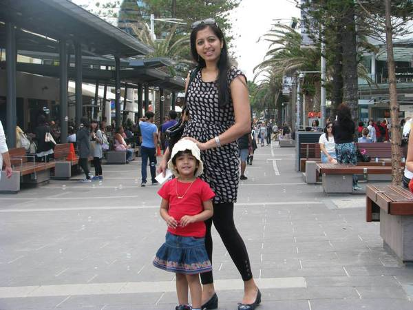 Gopika_with_daughter_Amy