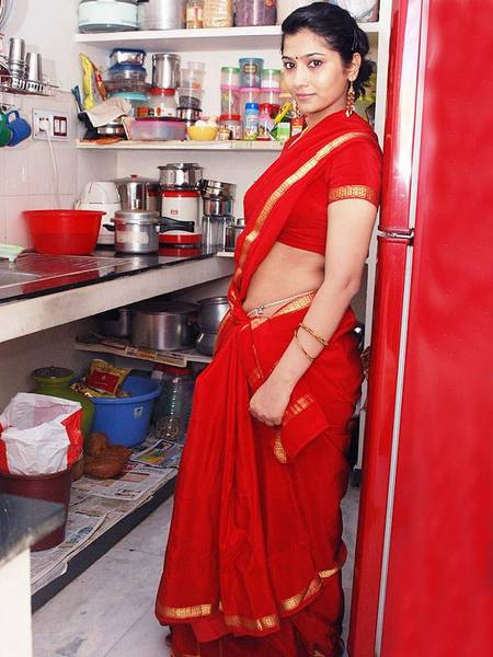 liya_in_red_saree_2