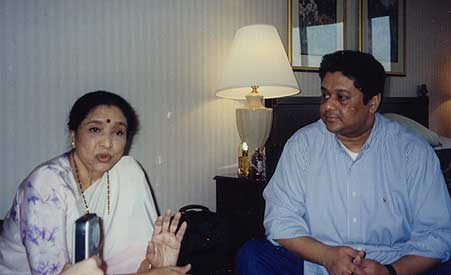 asha_bhosle_and_anand
