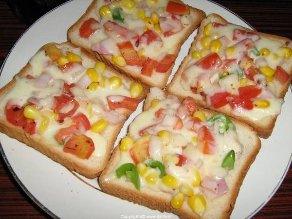Bread Vegetable cheese toast