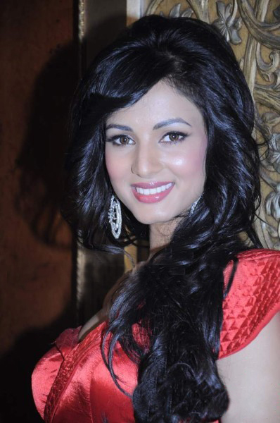 Sonal-Chauhan-Latest-Photo-Stills-0
