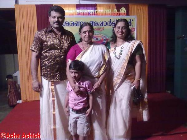 Beena_with_her_Family61