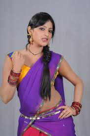 Actress_in_Halfsaree