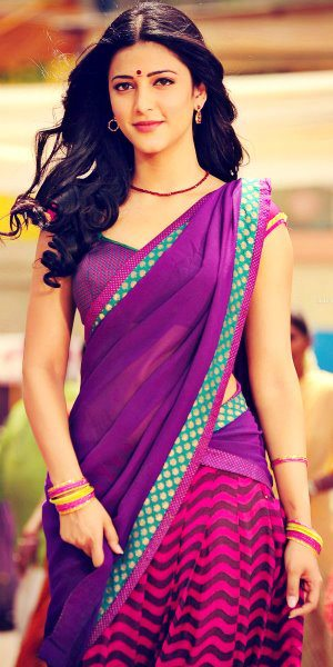 actress_in_half_saree