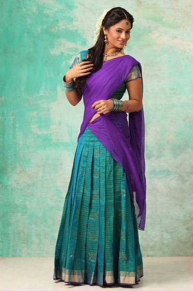 suja-varunee-latest-stills1
