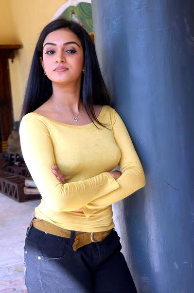 Honey_Rose_in_Jeans_and_Yellow_Dress