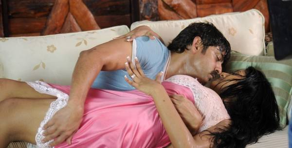 Gaayam 2 Movie Stills