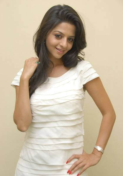 Vedika-Cute-in-White-dress-2
