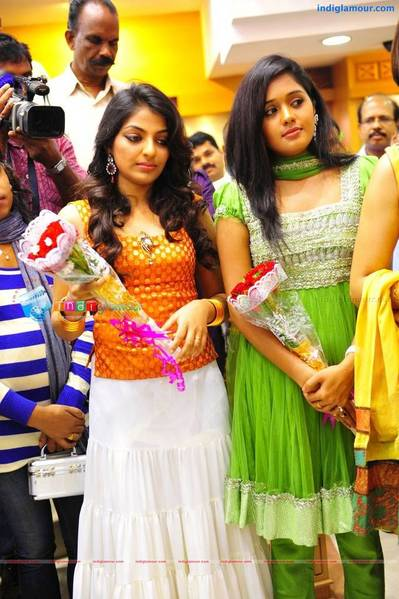 mamtha_ananya_mythili_at_josco_inaguration_tvm_