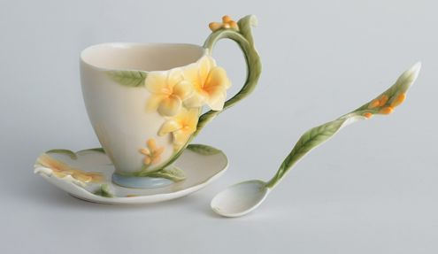 modern_cup_and_saucer_21