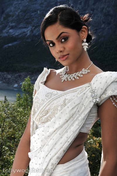 Actress Karthika Hot In White Saree