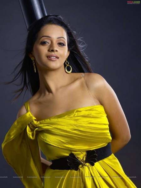 bhavana_yellow_dress_3