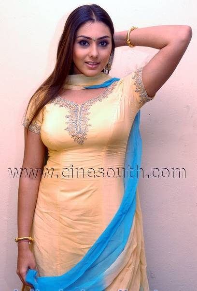 namitha_yellow_churidar