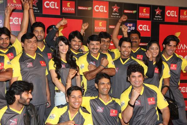 BHOJPURI-DABANGGS-team-at-Celebrity-Cricket-League