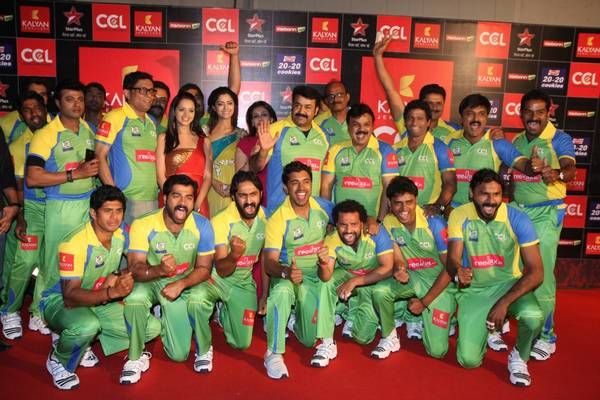 Kerala-Strikers-team-at-Celebrity-Cricket-League-