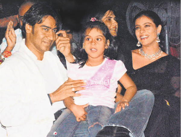 kajol Ajay with kid