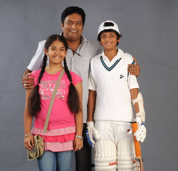 Dhoni movie stills,Dhoni movie gallery,Dhoni movie photos,Dhoni movie pictu