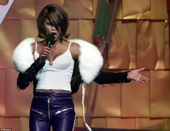 Whitney_Houston3