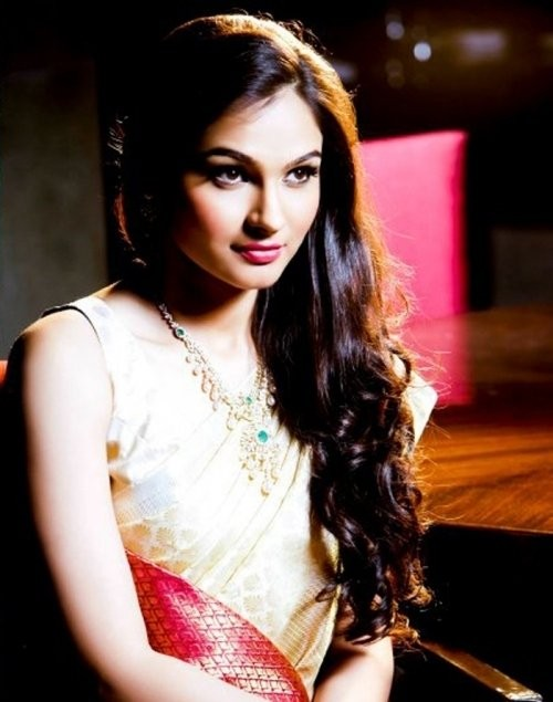 Andrea Jeremiah Latest Hot and Spicy Photoshoot Stills