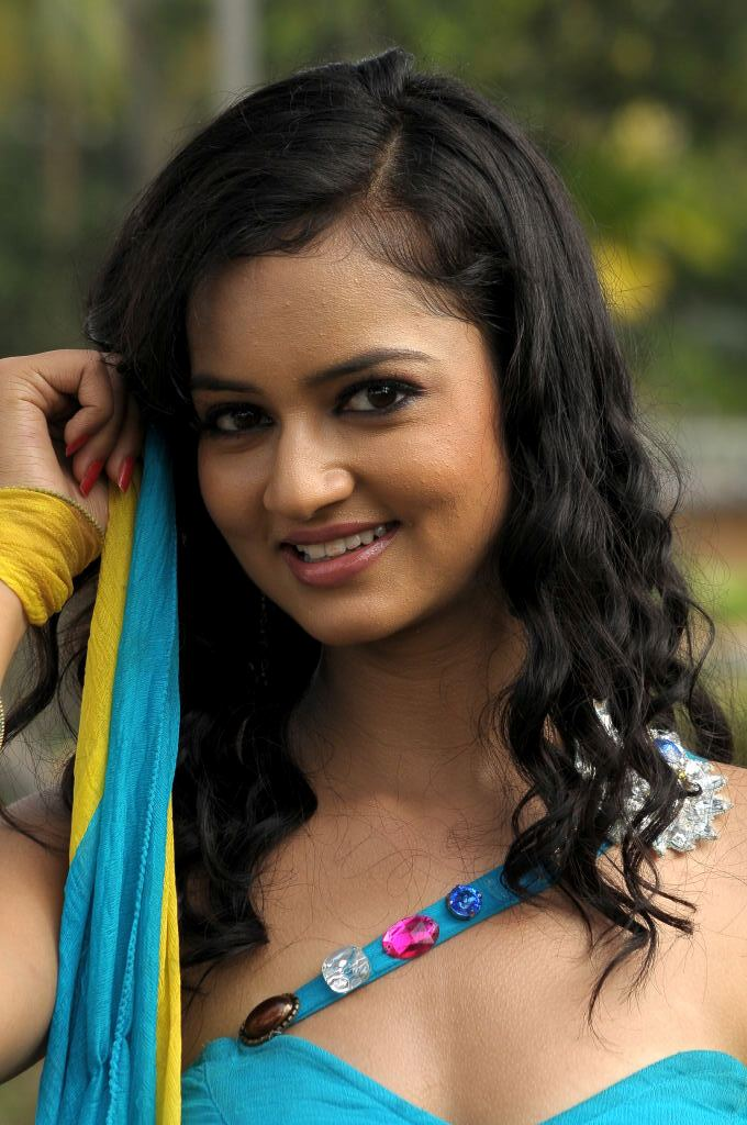 Actress Shanvi Latest Sexy Navel Show Images
