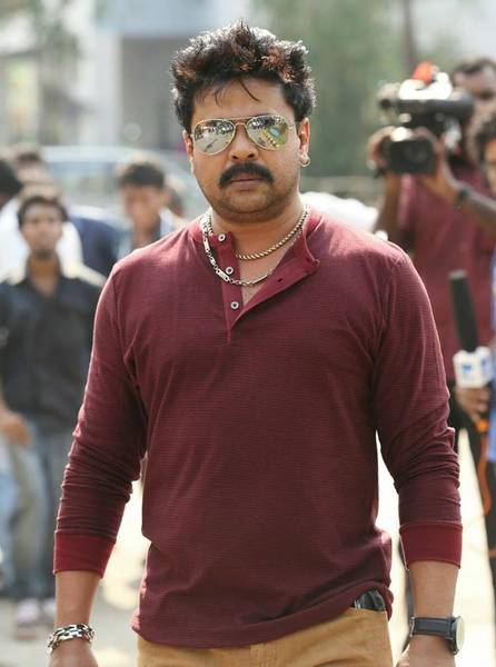 Dileep_in_Ring_Master