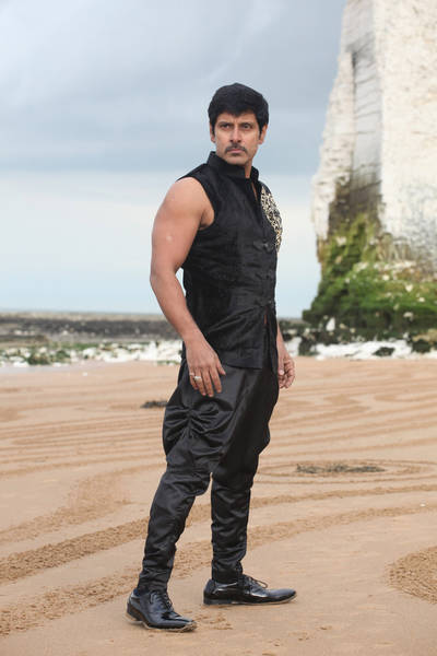 Thaandavam Movie Stills